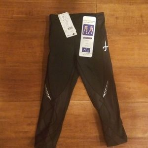 Brand New with Tags CW-X Compression Capris XS